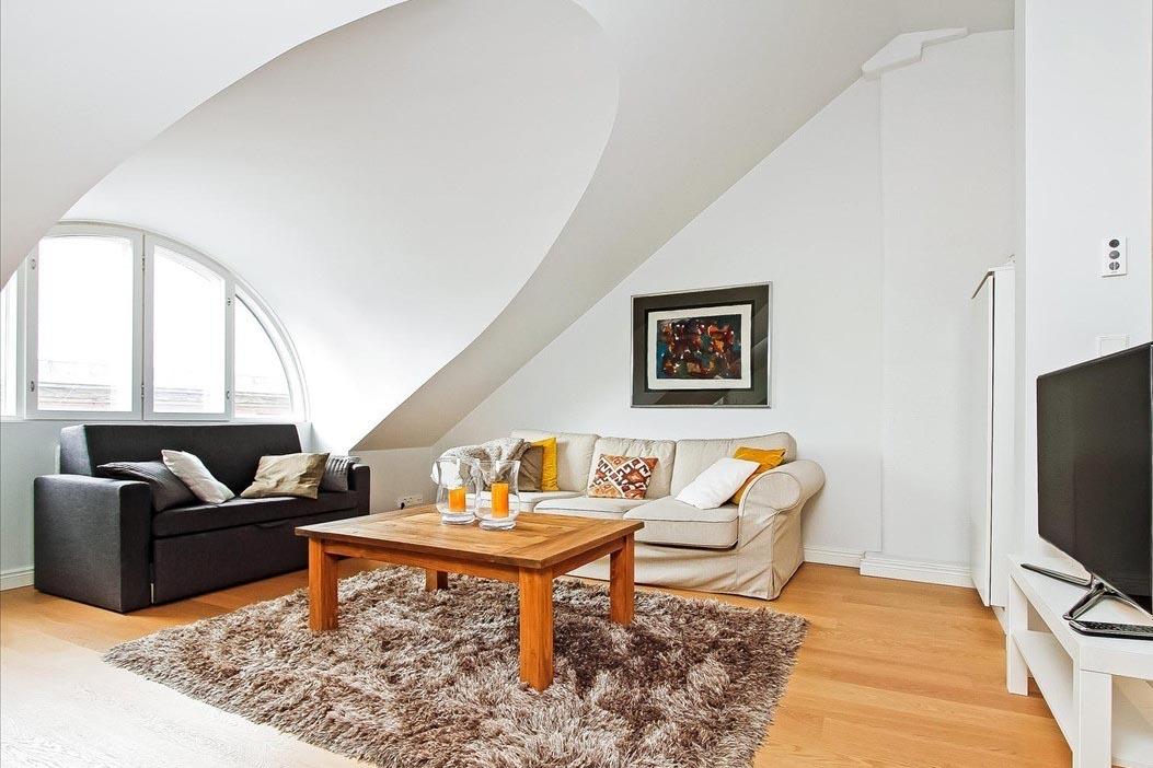 Rakennuttajakonsultti saneerasi arvohuoneiston Kristianinkadulla.